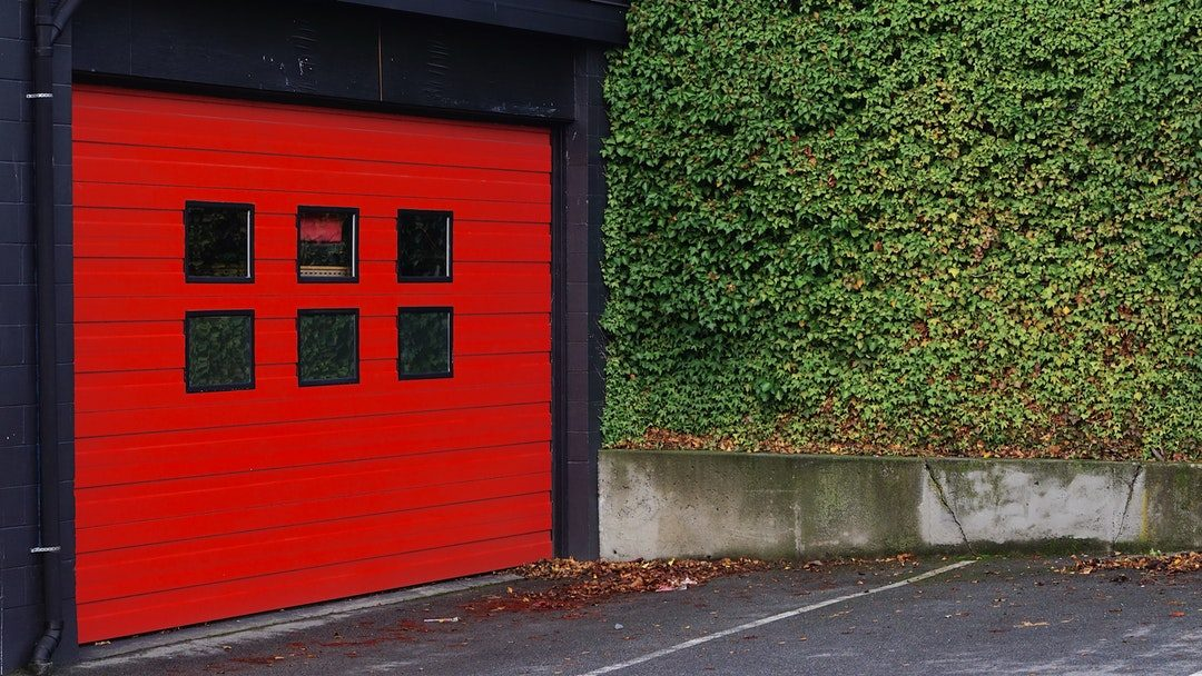 5 Important Things You Need to Know Before Buying a New Garage Door
